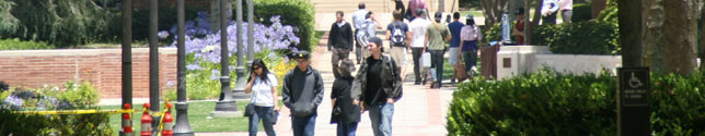 Photo of students on Bruin Walk.
